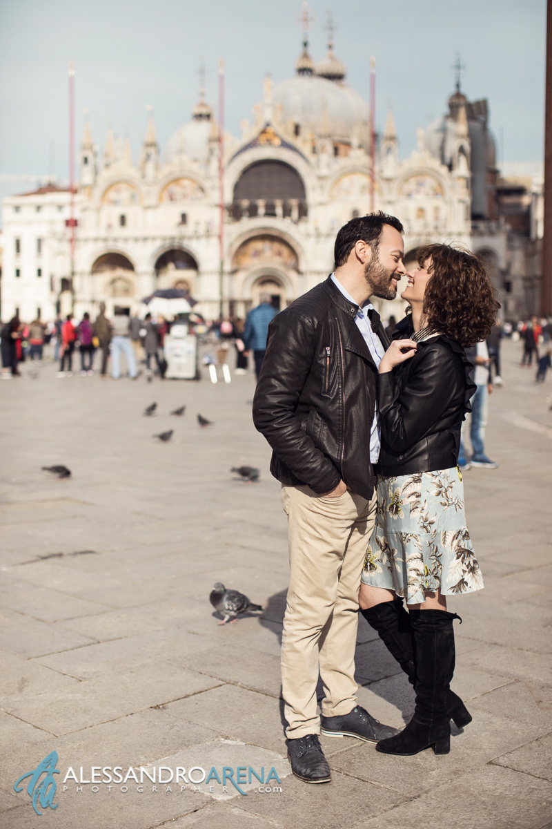 Engagement Session Venice - Kiss in Piazza San Marco