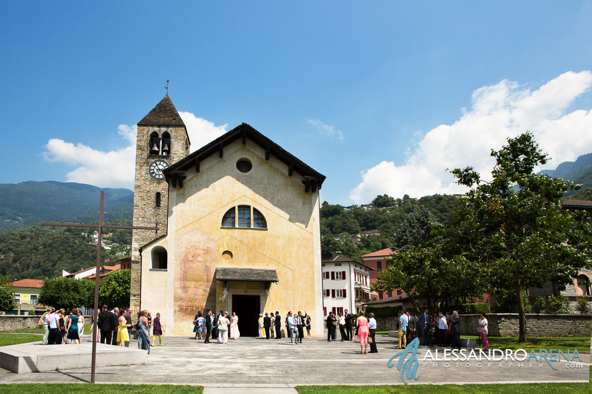Switzerland wedding photographer - Giubiasco church Canton Ticino