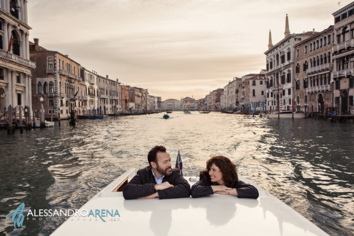 A Venice elopement session: Destination elopement in Italy