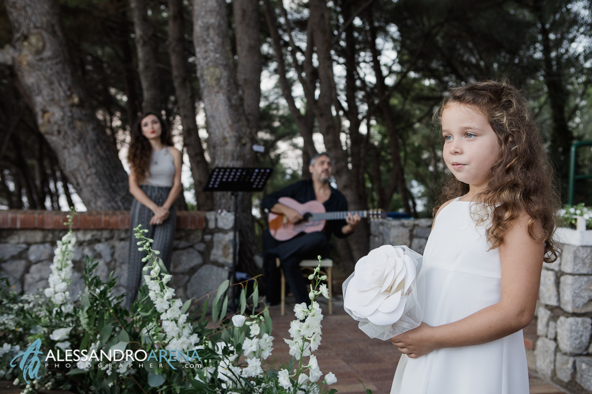 Italian wedding ceremony Capri - Little bridesmaid