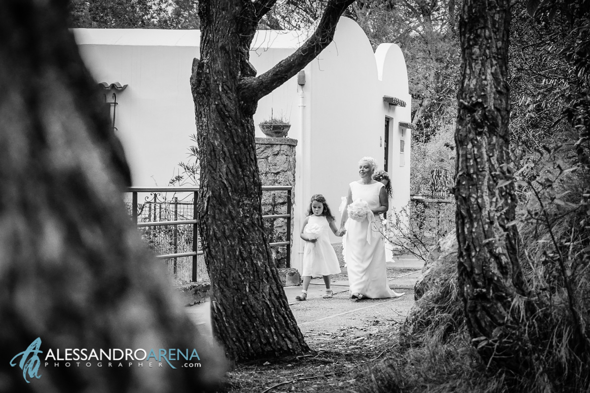 Wedding in Anacapri - The bride with her daughters